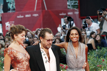 Julian Schnabel Stella Schnabel Naomi Campbell and Vladimir Doronin at the Premiere of 'Miral'