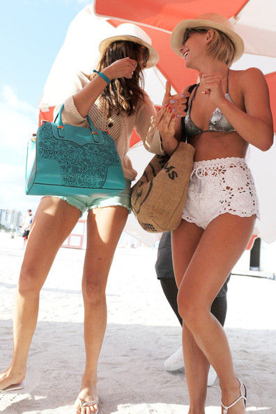 Julianne Hough Nina Dobrev Beach