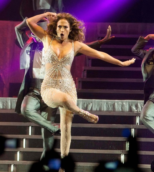 Jennifer lopez performs live zimbio Where does jennifer lopez live