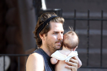 Christopher Jarecki Alicia Silverstone and Her Newborn Spend Time Together On Set