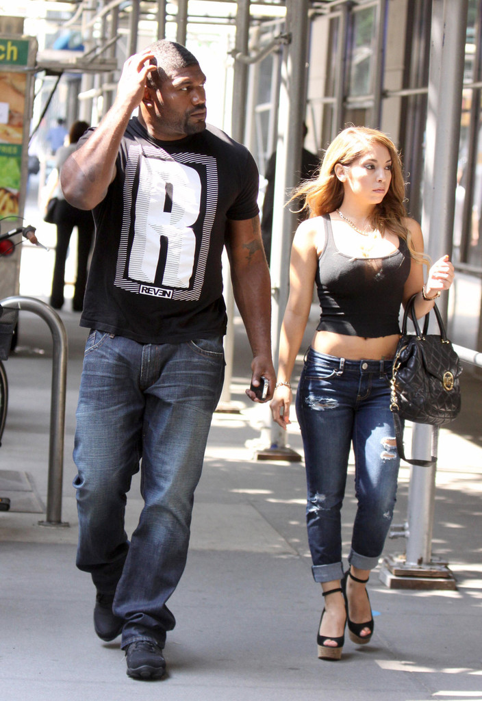 Rampage Jackson Photos Photos Quinton Jackson Walks With