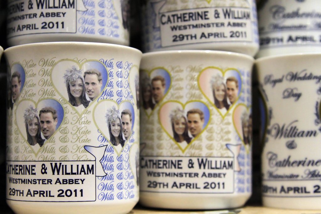 Wedding Gifts For Kate Middleton : Kate Middleton and Prince William PhotosROYAL WEDDING FEVER ...