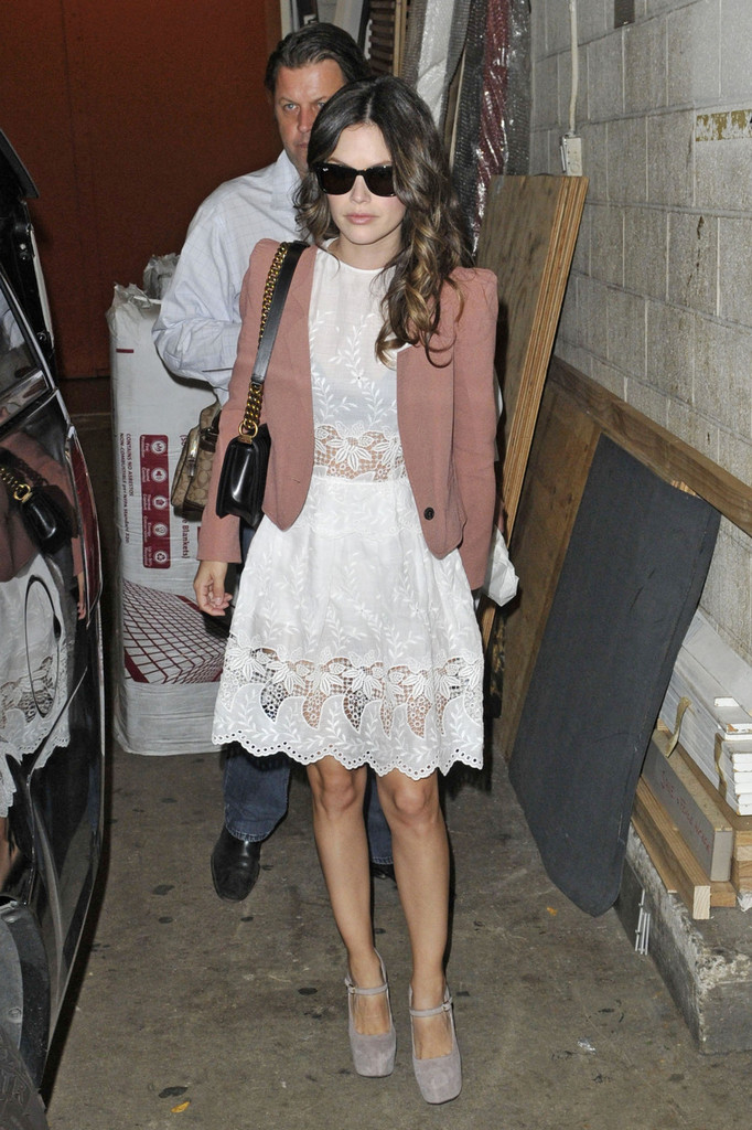 Rachel Bilson Photos Photos - Rachel Bilson in NYC