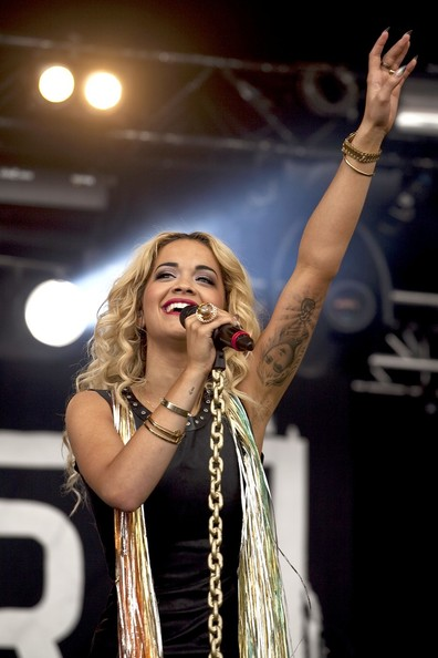 http://www3.pictures.zimbio.com/pc/Rita+Ora+performs+during+T+Park+music+festival+F3eN_yiHaNSl.jpg