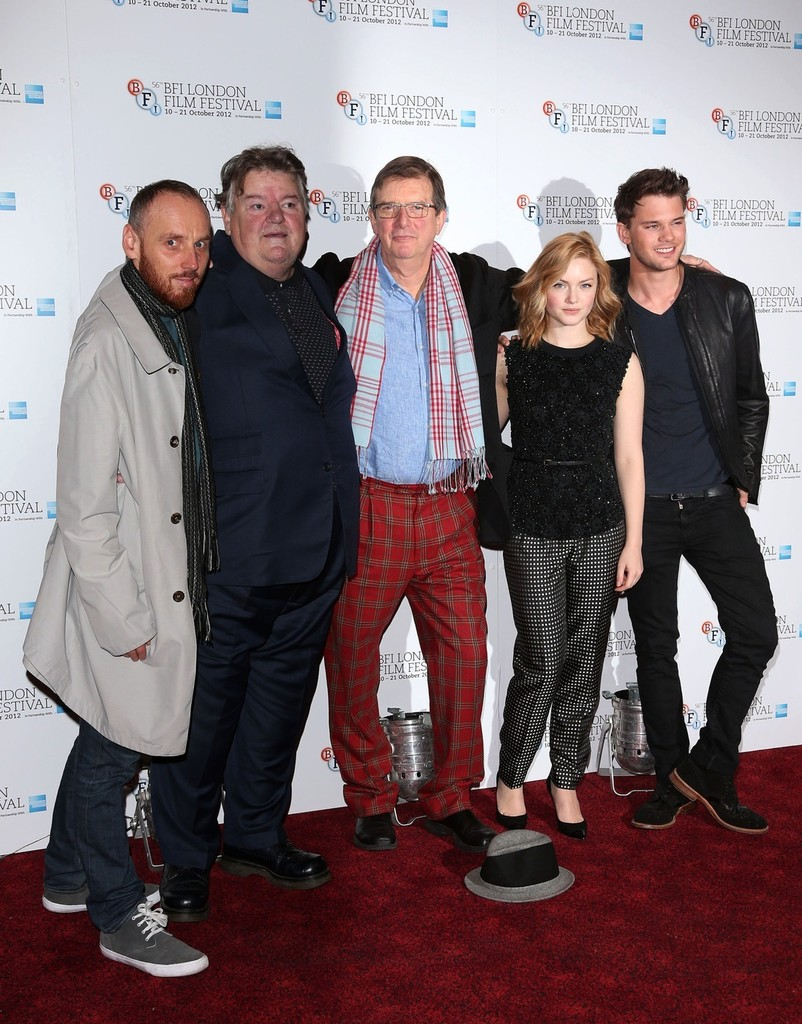 april 2013 at 13 12   Ver  a a Ad    Robbie Coltrane Height
