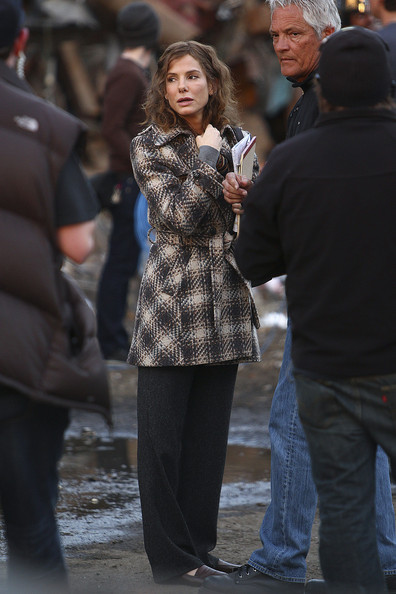 "Sandra Bullock films scenes for her upcoming film ""Extremely Loud and Incredibly Close"" in Brooklyn. The actress has reportedly donated $1 million to the Red Cross for tsunami relief efforts in Japan."