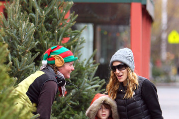 James Parker Sarah Jessica Parker and Her Son Go to School