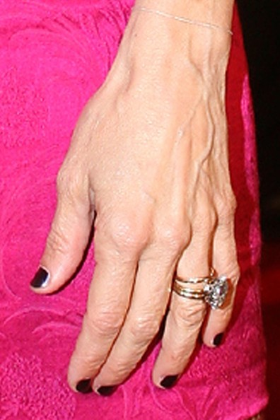 Sarah jessica parker in london39s leicester square zimbio for Sarah jessica parker wedding ring