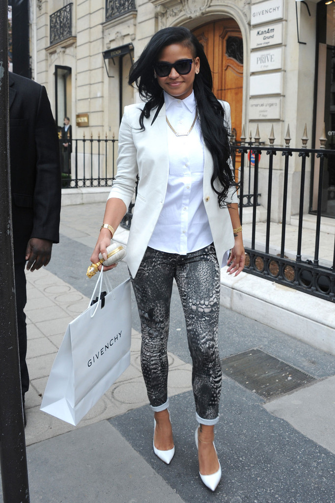 Cassie Photos - Diddy and Cassie at the Le Meurice - 456 ...