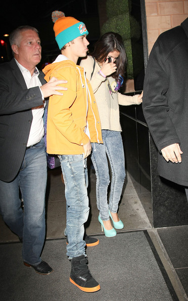 Selena Gomez - Justin Bieber and Selena Gomez Out in NYC