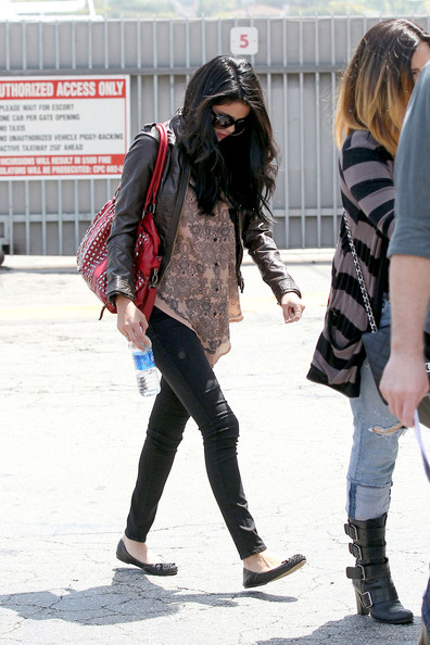 Selena Gomez - Selena Gomez at the Santa Monica Airport 2