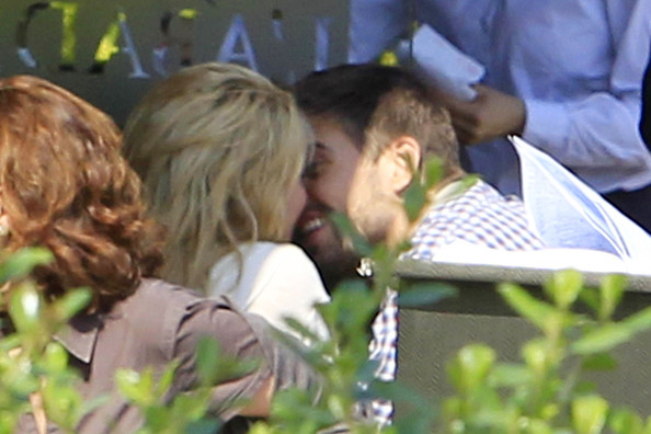 gerard pique and shakira dating. gerard pique and shakira