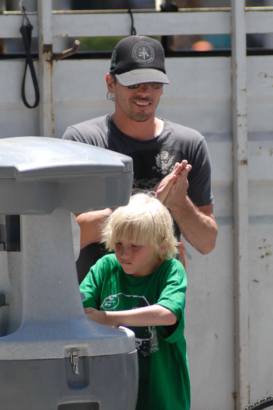 Skeet Ulrich on his twins' 7th birthday parties – Moms ...