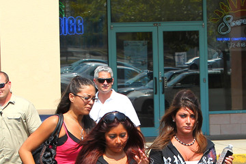 Jenni Farley Angelina Pivarnick Snooki and the Rest of the Jersey Shore Crew get Together