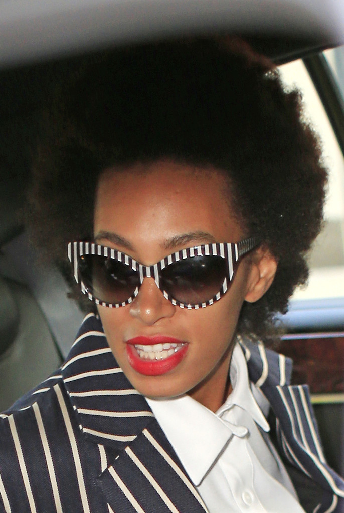 Solange Knowles - Solange Knowles Arrives at Her NYC Hotel
