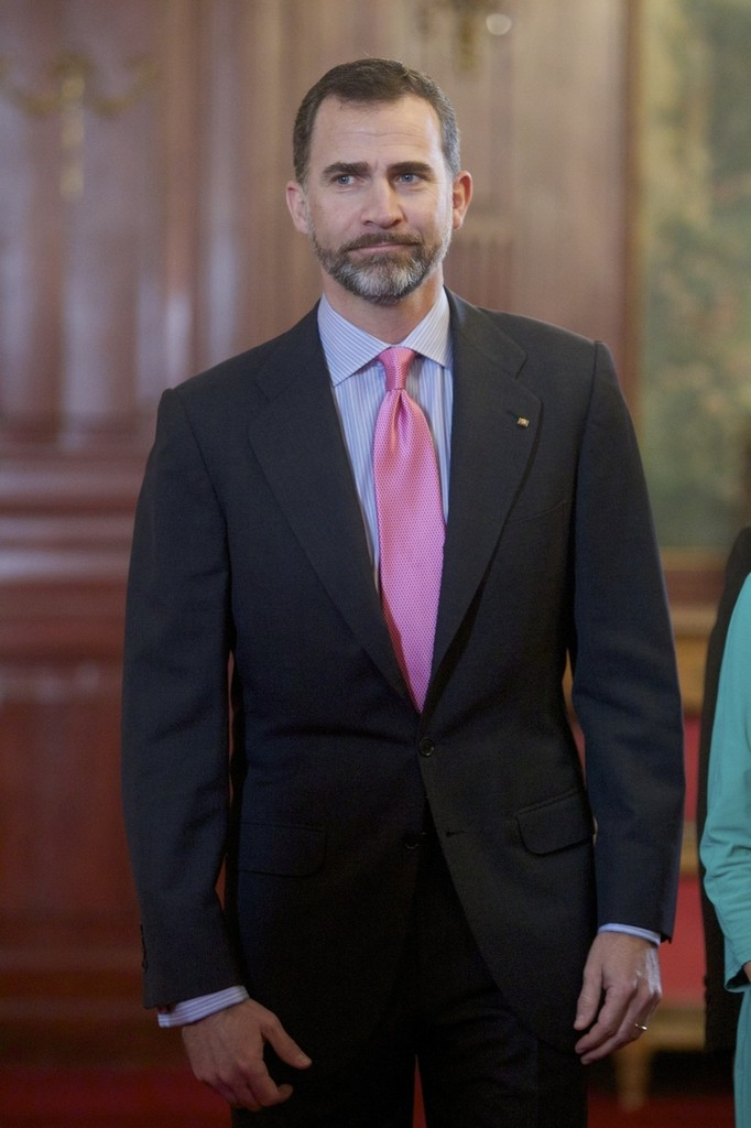 Prince Felipe de Borbon Attends the Spanish-German Forum - Zimbio