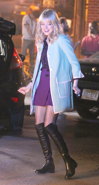 Emma Stones Gwen Stacy Outfit On Set Of Amazing Spider