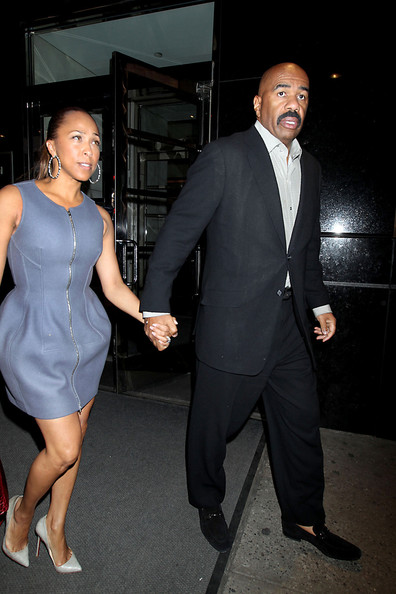 in this photo steve harvey steve harvey gives his wife marjorie a kiss