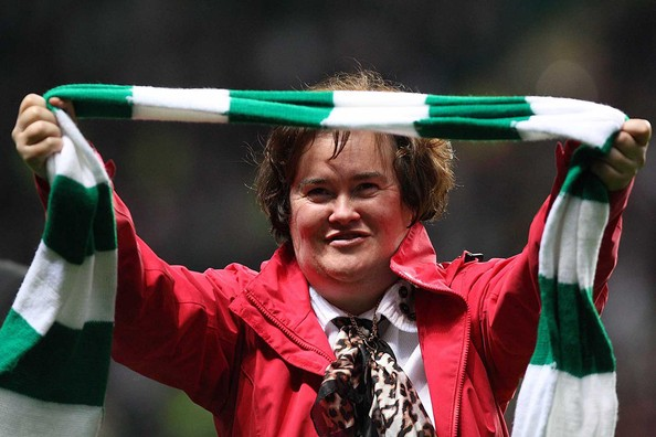 Susan Boyle is welcomed on the pitch at Celtic Park (video)