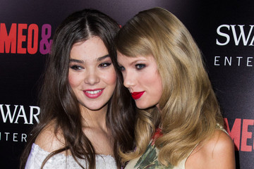 Taylor Swift Hailee Steinfeld 'Romeo and Juliet' Premieres in Hollywood — Part 2