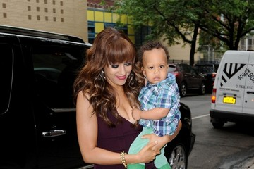 Tia Mowry Tia Mowry shows off her adorable baby son Cree as she makes ...