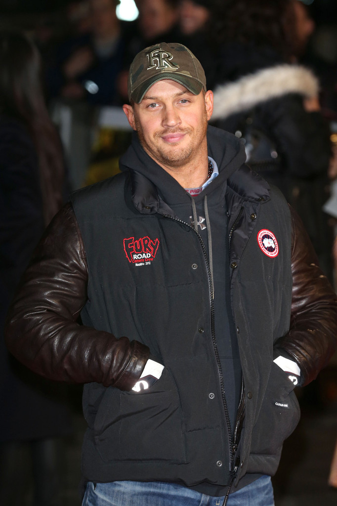 http://www3.pictures.zimbio.com/pc/Tom+Hardy+UK+Premiere+Jack+Reacher+khouSu0otMTx.jpg