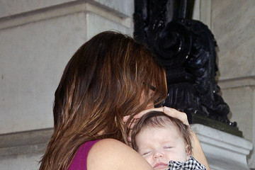 Harper Beckham Victoria Beckham Leaves the Plaza Hotel