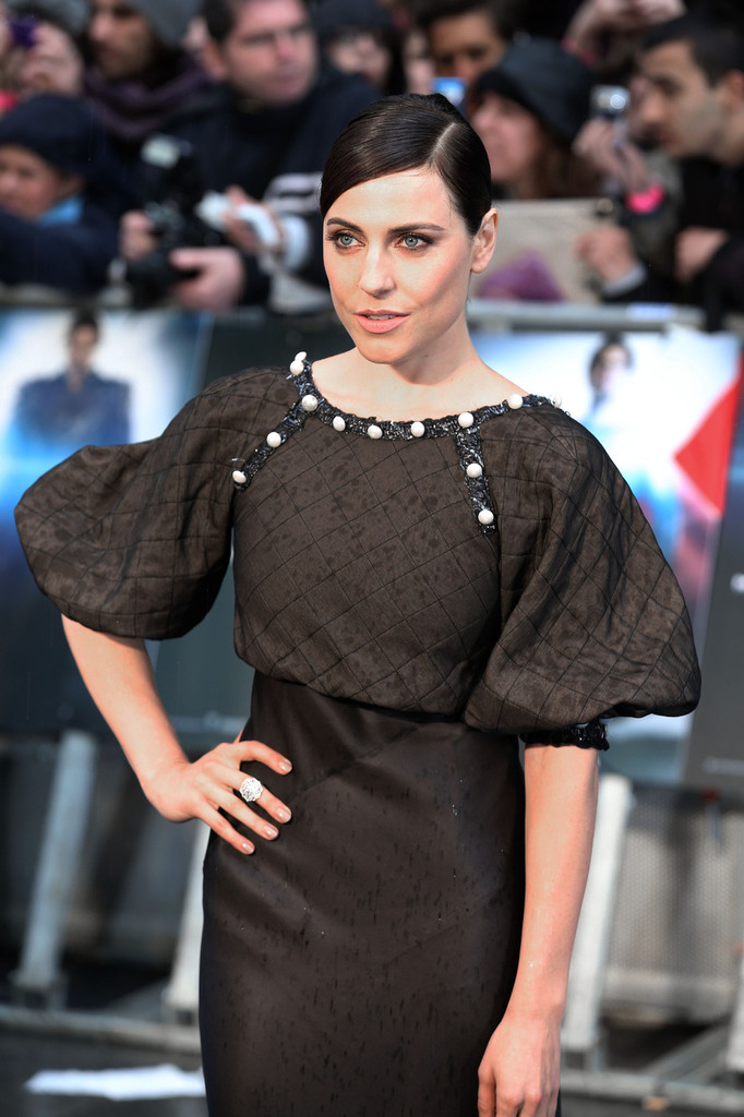 Antje Traue Photos Photos Man Of Steel Premieres In