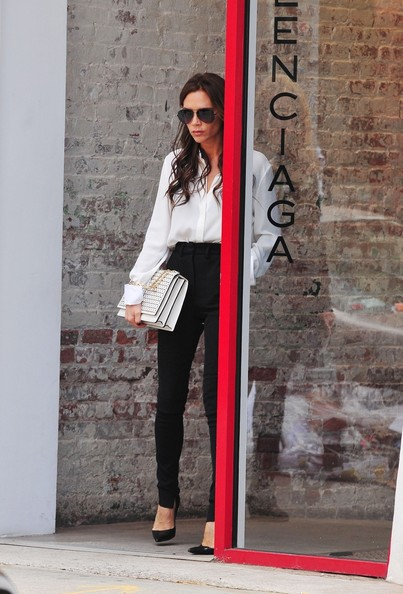Victoria 39 posh 39 beckham seen looking stylish as she is for Balenciaga new york store