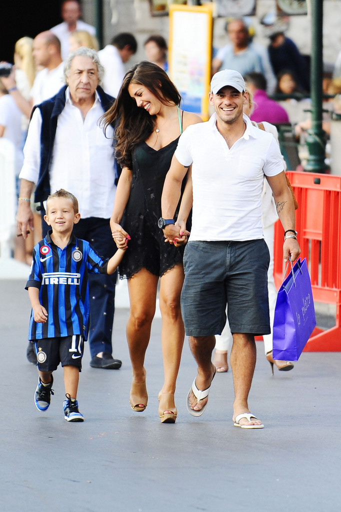 Wesley Sneijder and Yo...