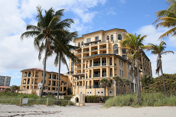 photo: house/residence of tough 30 million earning Hollywood Beach, Florida, USA-resident