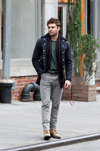 Zac Efron on Set in NYC 2 []