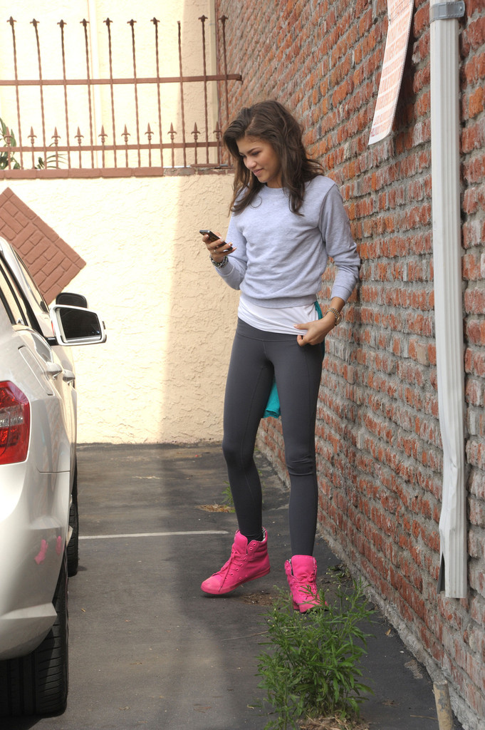 Zendaya Coleman Photos Photos Zendaya Coleman Arrives At