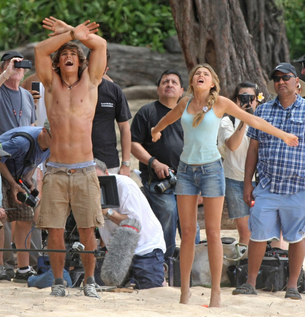 Indiana Evans Brenton Thwaites Photos Indiana Evans And