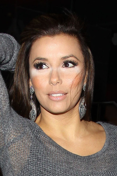Eva Longoria in Hollywood A wedding ring-less Eva Longoria suffers a make-up ...