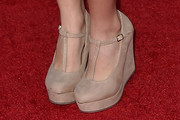 Olivia Stuck Wedges