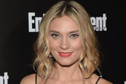 Spencer Grammer Medium Wavy Cut