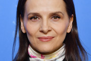 Juliette Binoche Medium Straight Cut