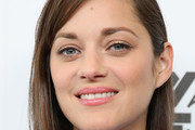 Marion Cotillard Side Parted Straight Cut