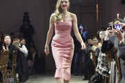 Amanda Seyfried Strapless Dress