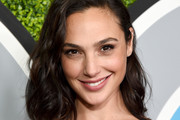 Gal Gadot Curled Out Bob