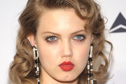 Lindsey Wixson Retro Hairstyle