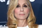 Judith Light Medium Curls