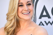 Kellie Pickler Side Sweep