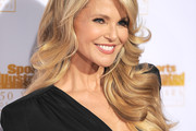 Christie Brinkley Long Wavy Cut