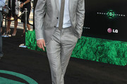 Ryan Reynolds Men's Suit