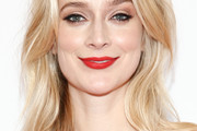 Caitlin Fitzgerald Medium Wavy Cut