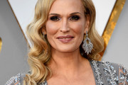 Molly Sims Retro Hairstyle