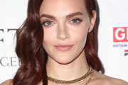 Madeline Brewer Retro Hairstyle