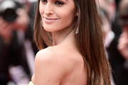 Izabel Goulart Long Straight Cut